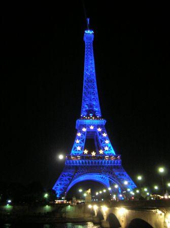 Paris quatri me jour palais de la d couverte champs de for A l interieur de la tour eiffel
